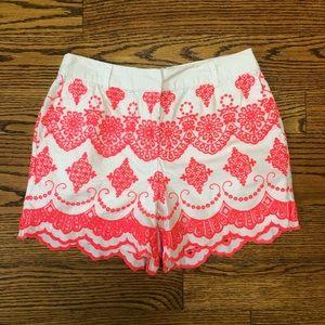 Boden scalloped hem shorts US 2 embroidery (UK 6)